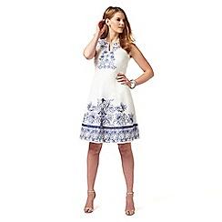 Studio 8 - Sizes 12-26 White philippa dress