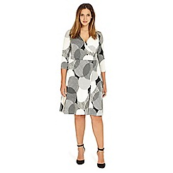 Studio 8 - Sizes 12-26 Black and Ivory kimara wrap dress