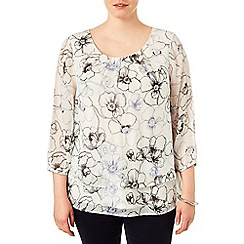 Studio 8 - Sizes 16-24 Daisy linear print blouse