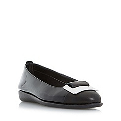 Roberto Vianni - Black 'Holt' metal trim ballerina shoes