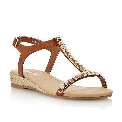 Roberto Vianni - Tan metal trim detail t-bar sandal