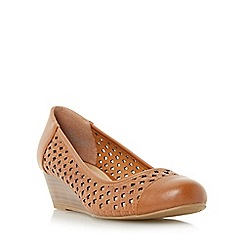 Roberto Vianni - Tan 'Alveen' woven wedge court shoe