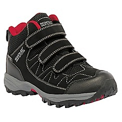 Regatta - Boys Black/red helmshore mid waterproof shoe