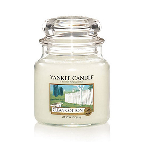 Yankee Candle - Medium clean cotton housewarmer candle