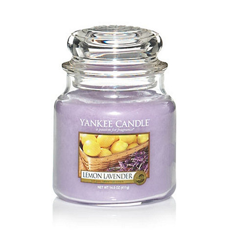 Yankee Candle - Medium lemon lavender housewarmer candle