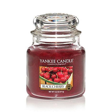 Yankee Candle - Medium black cherry housewarmer candle