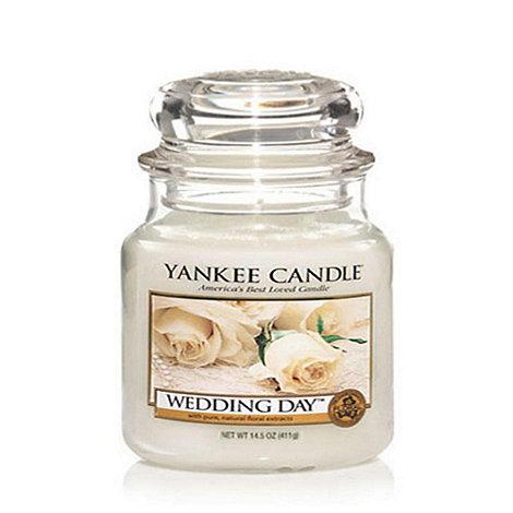 Yankee Candle - Medium wedding day housewamer candle