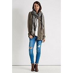 Oasis - Animal jacquard scarf