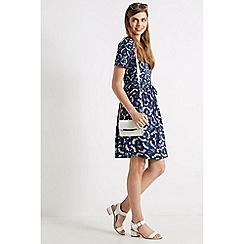 Oasis - Floral print v-neck skater dress