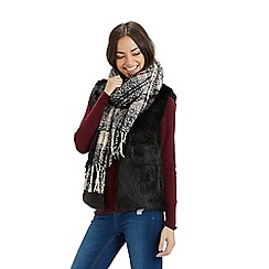 Oasis - Millie Boucle Check Scarf