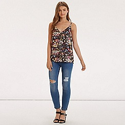 Oasis - V&a small midnight lace trim cami