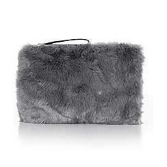 Oasis - Fur clutch bag