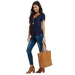 Oasis - Pintuck V Neck Lace Trim Top