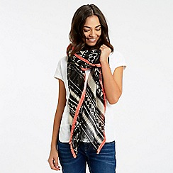Oasis - Deco Fringed Scarf