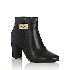 Oasis - Flora Lock Boot