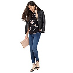 Oasis - Butterfly Scallop Shell Top