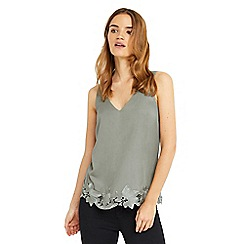 Oasis - V front and back lace vest