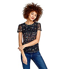 Oasis - Fading daisy lace print t-shirt