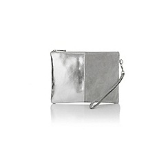 Oasis - Freya patched clutch