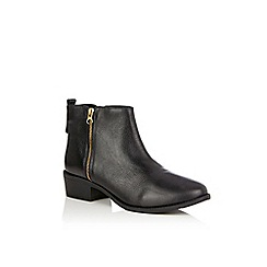 Oasis - Black 'Essie' side zip ankle boots