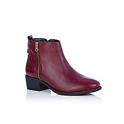 Oasis - Burgundy 'Essie' side zip ankle boots
