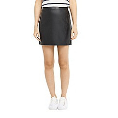 Oasis - Black faux leather seamed mini skirt