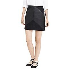 Oasis - Faux leather chevron mini skirt