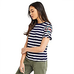 Oasis - Embroidery stripe flute sleeves t-shirt