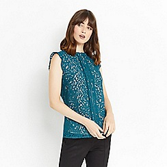 Oasis - Lace trimmed shell top