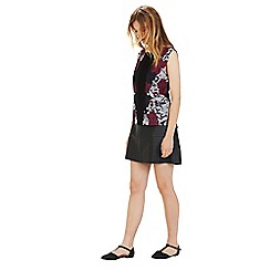 Warehouse - Tapestry floral placement top
