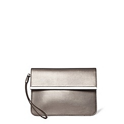 Warehouse - Clean bar detail clutch