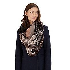 Warehouse - Laid back lux scarf