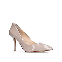 Vince Camuto - Taupe 'Salest' mid heel court shoes
