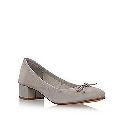 Nine West - Grey 'Saray' mid heel court shoes