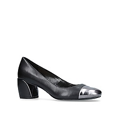 Nine West - Black 'Jineya' court shoes