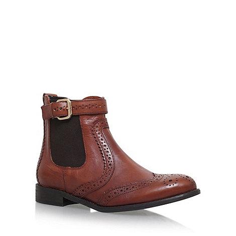 Carvela - Tan +Slow+ flat Chelsea boots