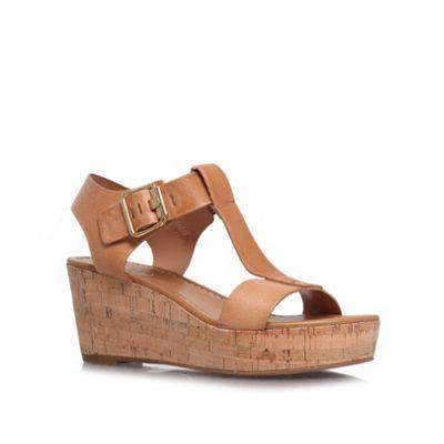 Carvela Beige ´known´ mid heel wedge sandals - . -