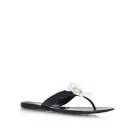 Nine West - Black +Frizzell3+ flat flip flops