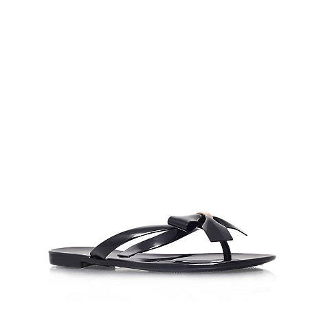 Carvela - Black +Star+ flip flop