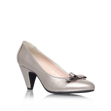 Carvela - Pewter +kelly+ mid heeled court shoe