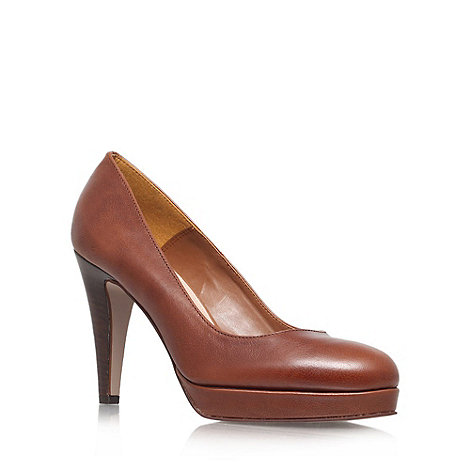 Carvela - Tan +Alison+ court shoe
