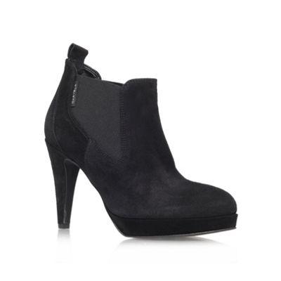 Carvela Black ´Air´ Mid Heeled Court shoe - . -