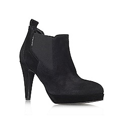 Carvela - Black 'Air' Mid Heeled Court shoe