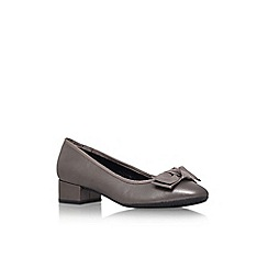Carvela Comfort - Pewter 'Aggie' low block heel court shoe