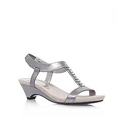 Anne Klein - Metal 'Teah3' Low heeled sandal