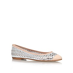 Carvela - Silver com 'Lemon' flat slip on pump