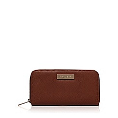 Carvela - Tan 'Alis' zip around purse