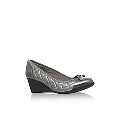Anne Klein - Pewter 'Tallula3' mid wedge heel court shoe