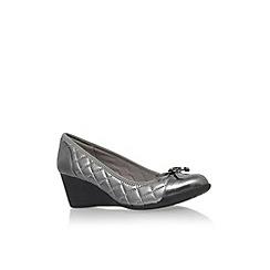 Anne Klein - Pewter 'Tallula3' mid wedge heel court shoe
