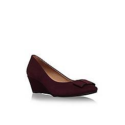 Carvela Comfort - Wine 'Abby' low wedge heel court shoe